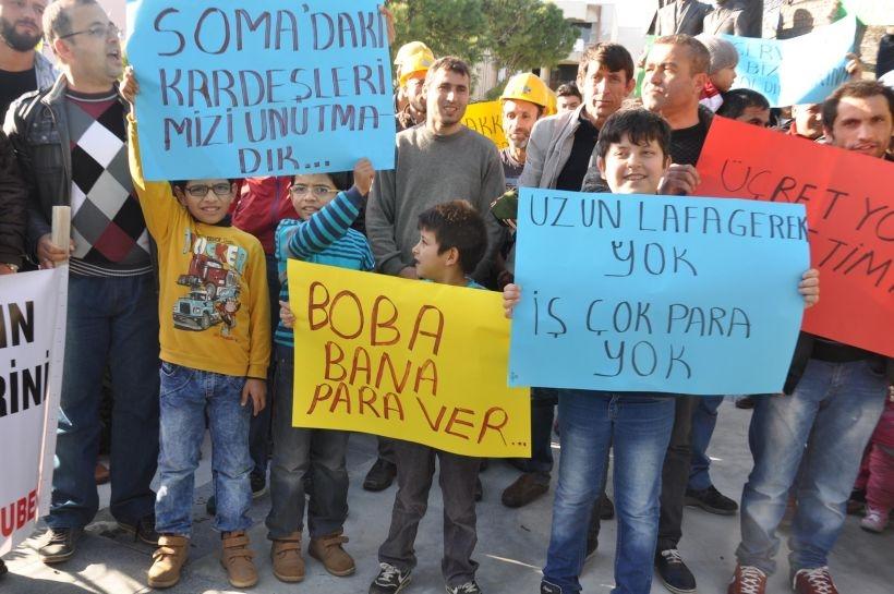 Söke'de maaşları ödenmeyen maden işçilerinden eylem