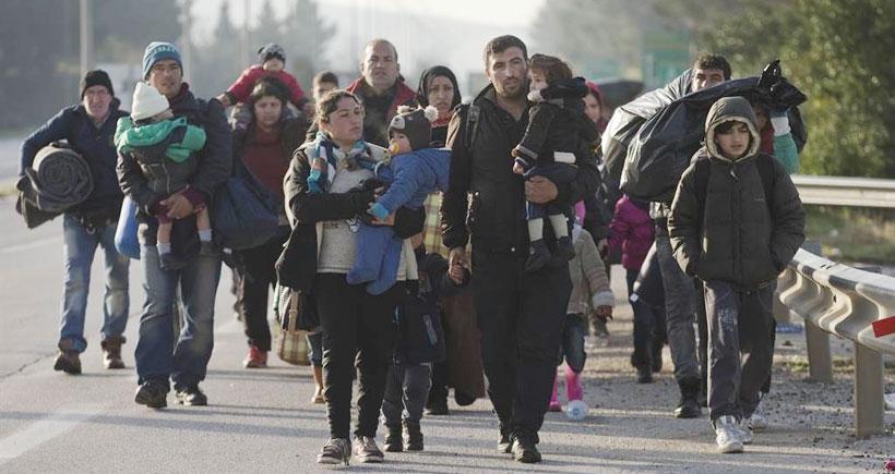 İdomeni'deki mülteciler tahliye ediliyor