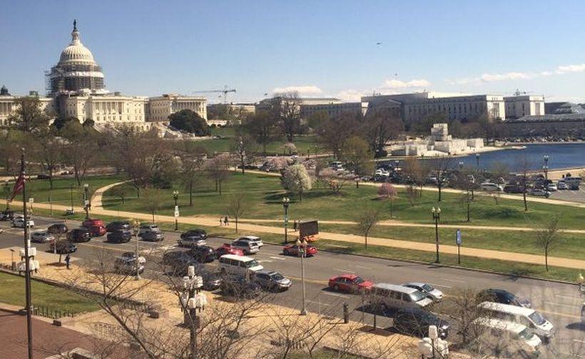ABD Kongre binası ziyaretçi merkezinden silah sesleri yükseldi
