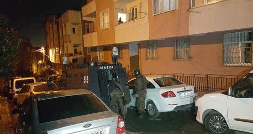 İstanbul Sultangazi'de ev baskınları