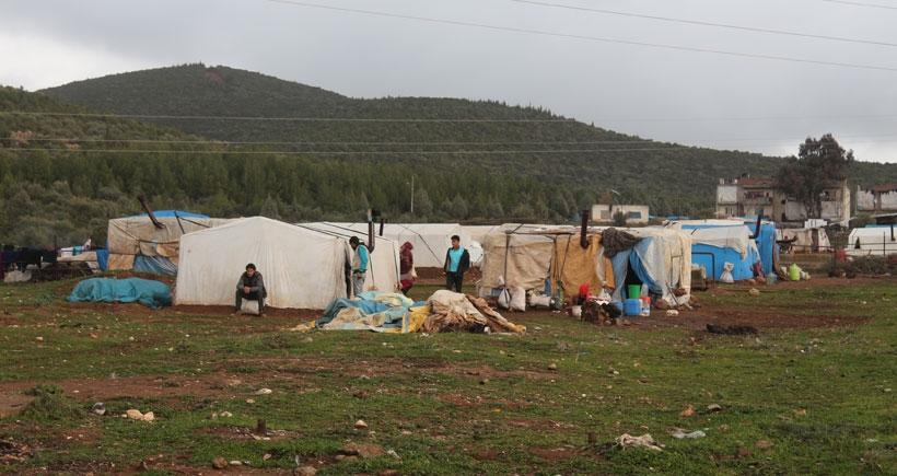 Torbalı'daki mültecilere 'Kamplara dönün' uyarısı
