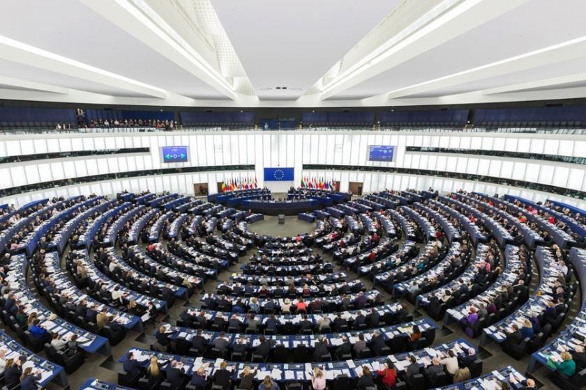 Avrupa Parlamentosunda 'Grev var çeviri yok'!
