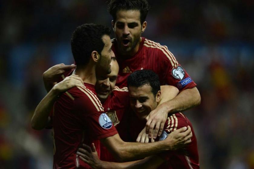 Iniesta ve Fabregas rekor kırdı