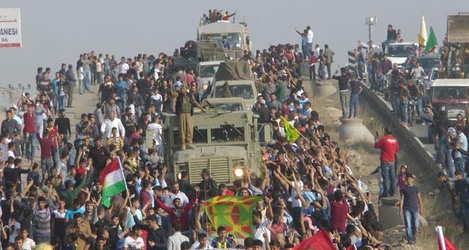Kızıltepe'de Peşmerge konvoyuna görkemli karşılama