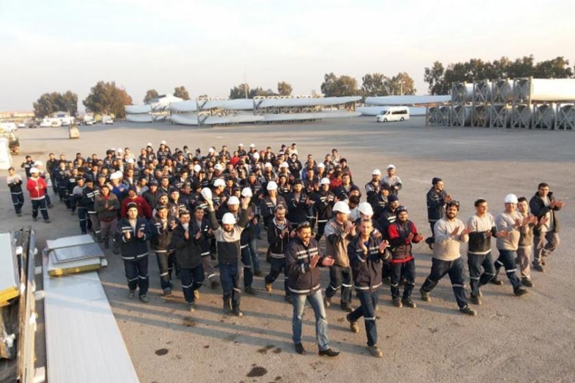 TPI Composite'te eylem yapan işçiler