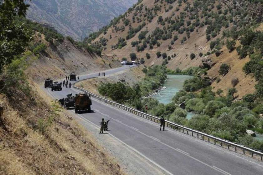 Çukurca'da askeri araca saldırı: 3 asker yaralandı