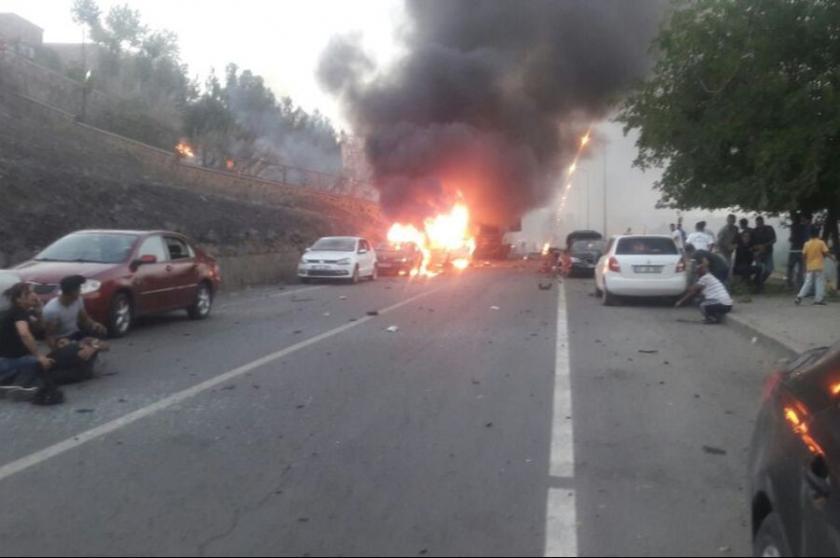 Diyarbakır'da saldırı: 5 sivil yaşamını yitirdi