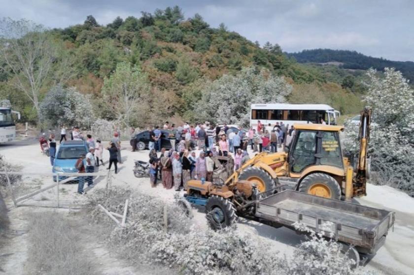 Yenice köylüleri taş ocağına karşı yol kesti