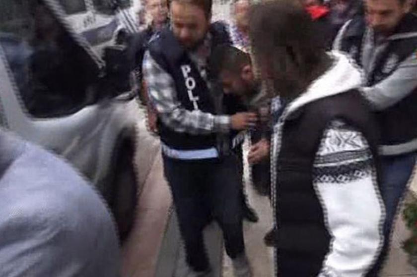 Metrobüsteki 'şemsiyeli saldırgan' tutuklandı