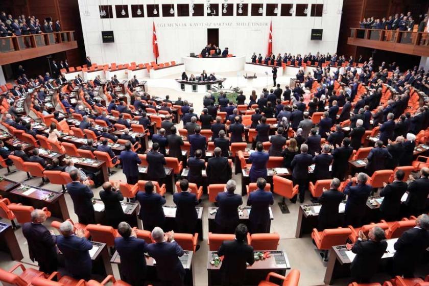 Mecliste 'darbenin siyasi ayağı' tartışması
