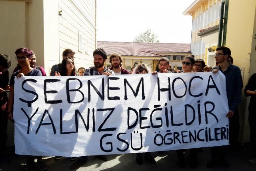 Fincancı'nın derslerinin iptal edilmesi protesto edildi