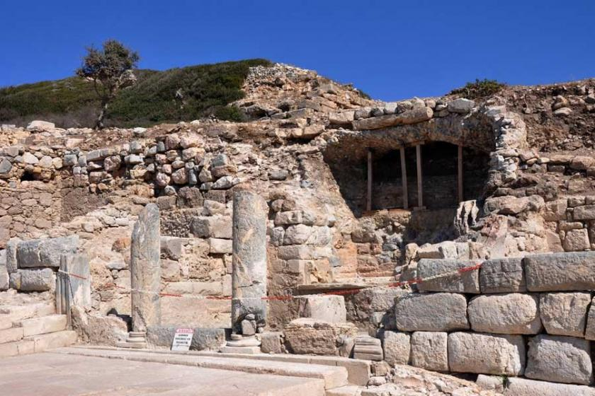 Knidos'ta şeref tribünü bulundu