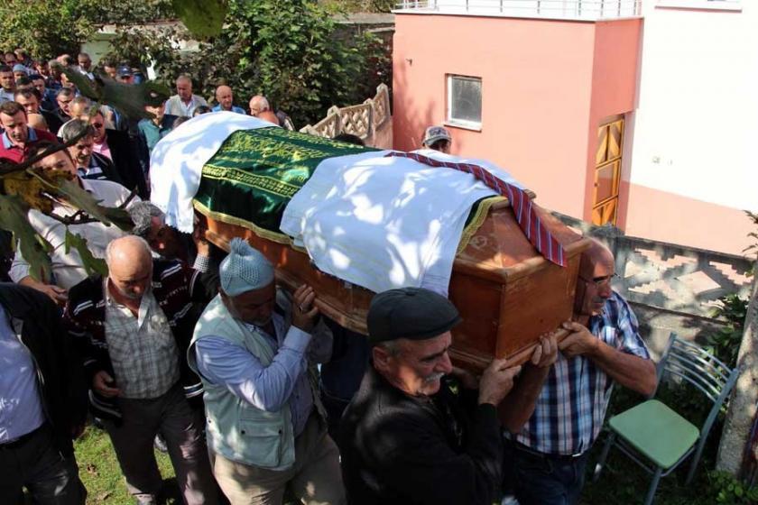 Rögarda ölen temizlik işçisi toprağa verildi