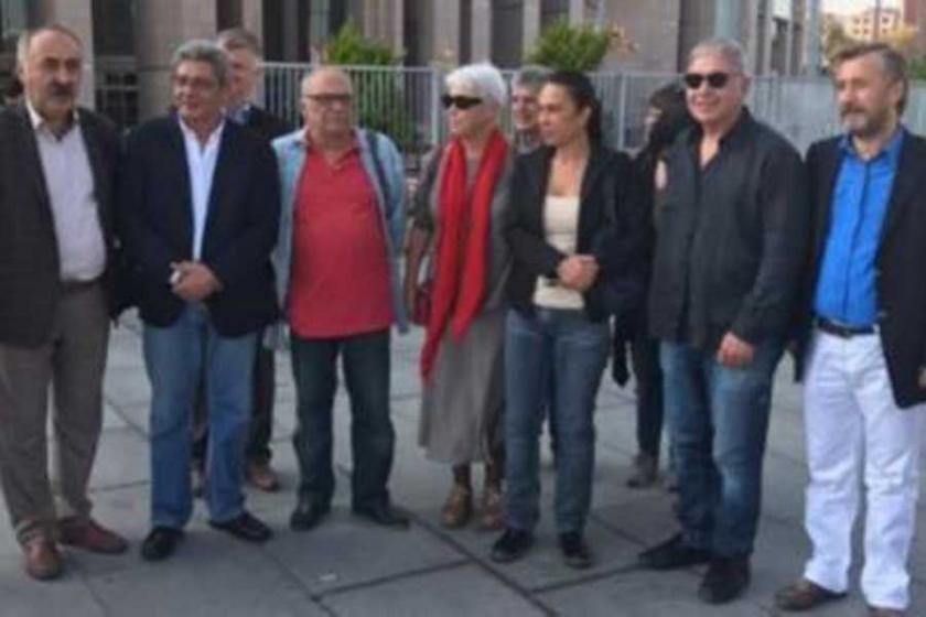 Gazeteci Yıldırım ve Başlangıç'ın pasaportlarına el konuldu