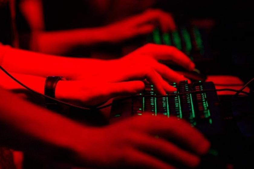 'BAE Katar'ın site ve sosyal medya hesaplarını hackledi'