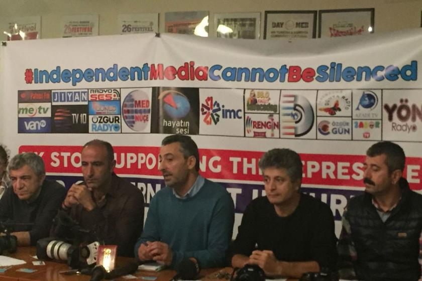 İngiltere'de gazeteciler basına özgürlük istedi