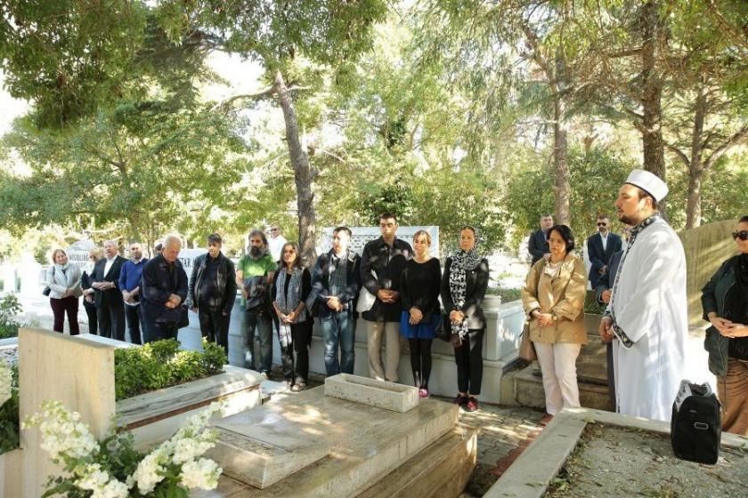 Usta Yönetmen Halit Refiğ mezarı başında anıldı