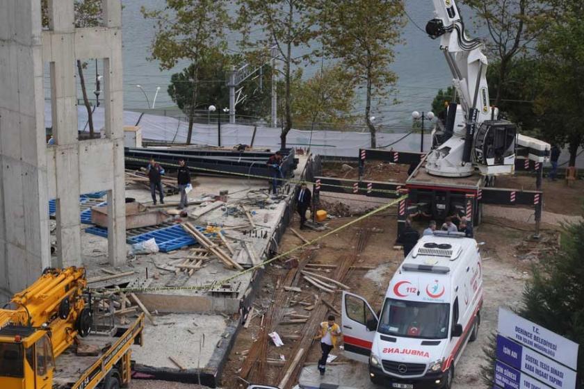 İşçileri taşıyan vinç sepeti düştü: 2 işçi hayatını kaybetti
