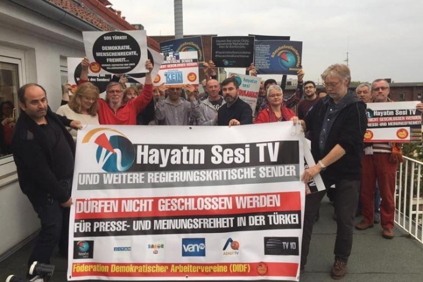 Alman vekil ve işçilerden 'Hayatın Sesi' tepkisi