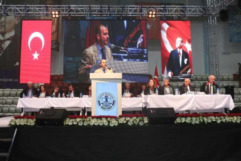 İzmir Barosu Genel Kurulu tartışmalarla devam ediyor