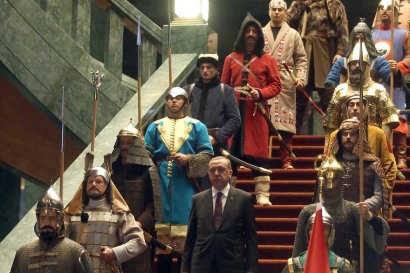 Erdoğan,modern burjuvazinin dini ve Polonya'nın hatırlattığı