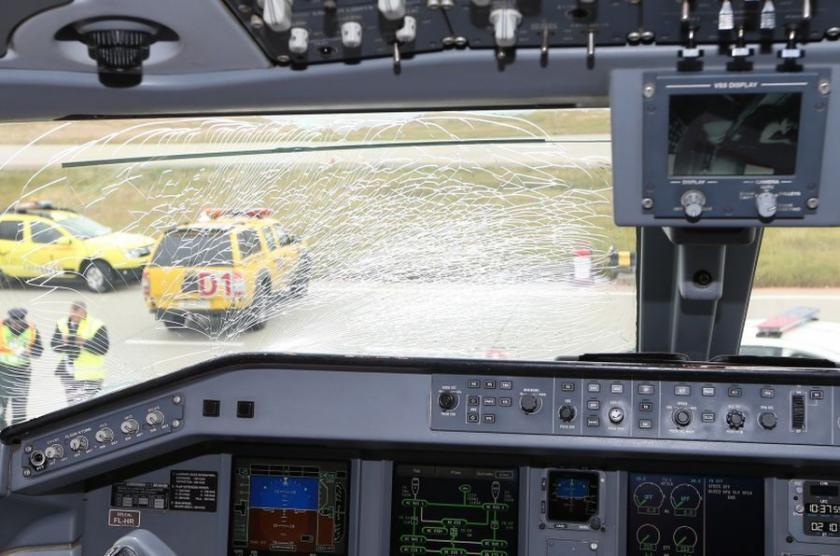 Fenerbahçe'yi taşıyan uçak Budapeşte'ye acil iniş yaptı