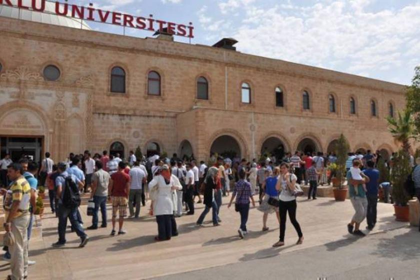 Kadın öğrenciler tacize karşı kantini işgal etti