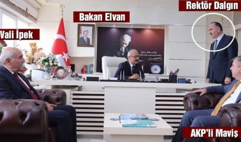 Erdoğan'ın 4. sıradan atadığı rektör, Bakanı ayakta dinledi