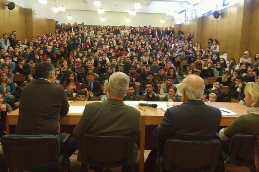 Hukuk Fakültesinin izin vermediği hukuk paneli SBFde yapıldı