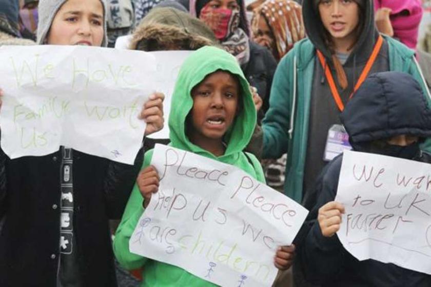 Calais boşaltıldı, yüzlerce mülteci çocuk ortada kaldı
