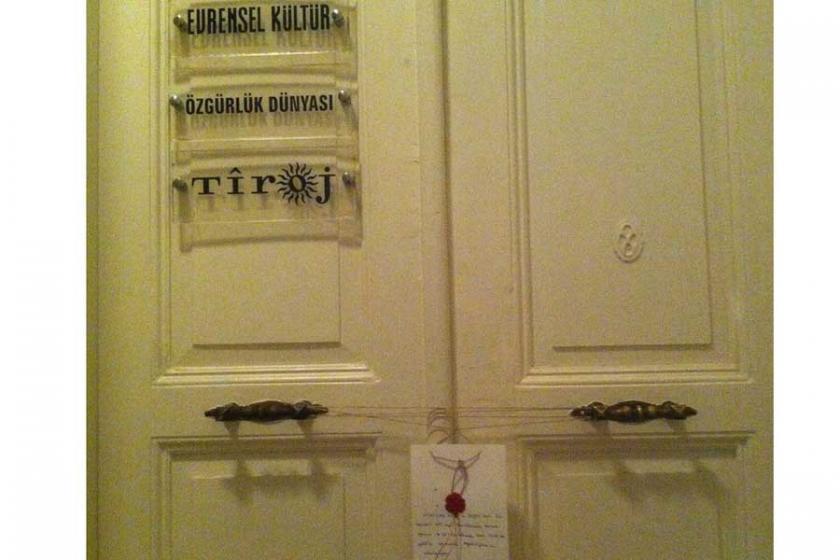 Kapatılan basın yayın kuruluşları mühürlendi