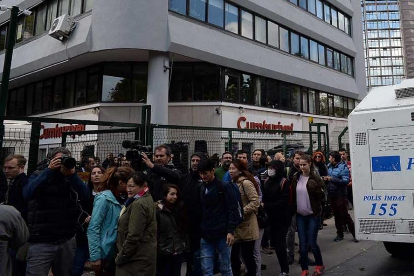 Cumhuriyet Gazetesi önünde nöbet çağrısı