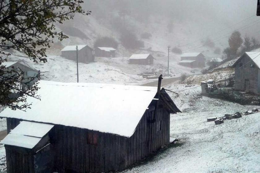 Sakarya ve Kocaeli'nin yüksek kesimlerine kar yağdı