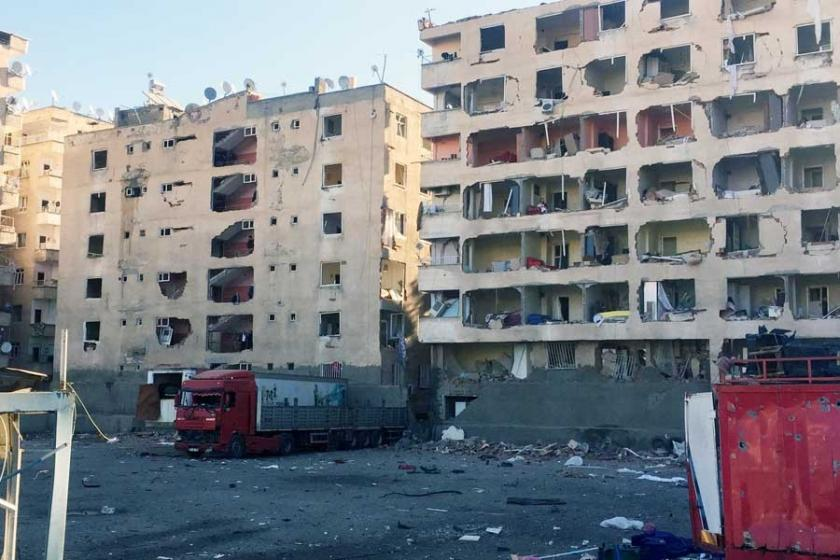 Diyarbakır'da patlama: 9 kişi öldü, 100'e yakın yaralı var