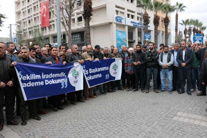 HDP'lilerin gözaltına alınmasına İzmir'den de tepki