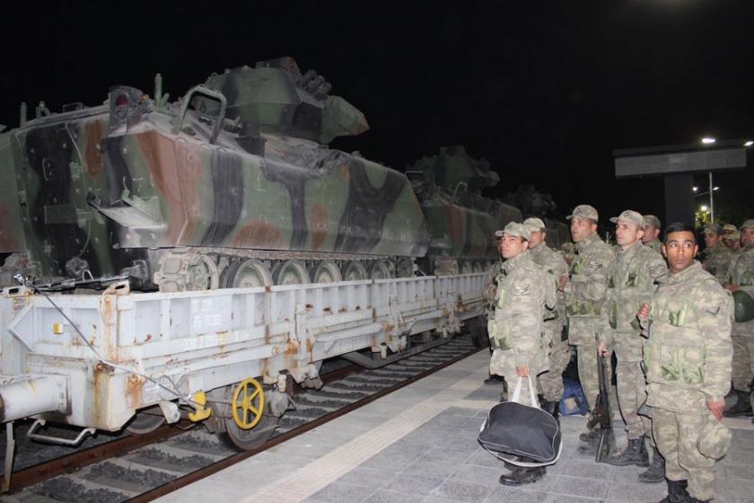 Çankırı'dan sınıra asker ve zırhlı araç sevkiyatı