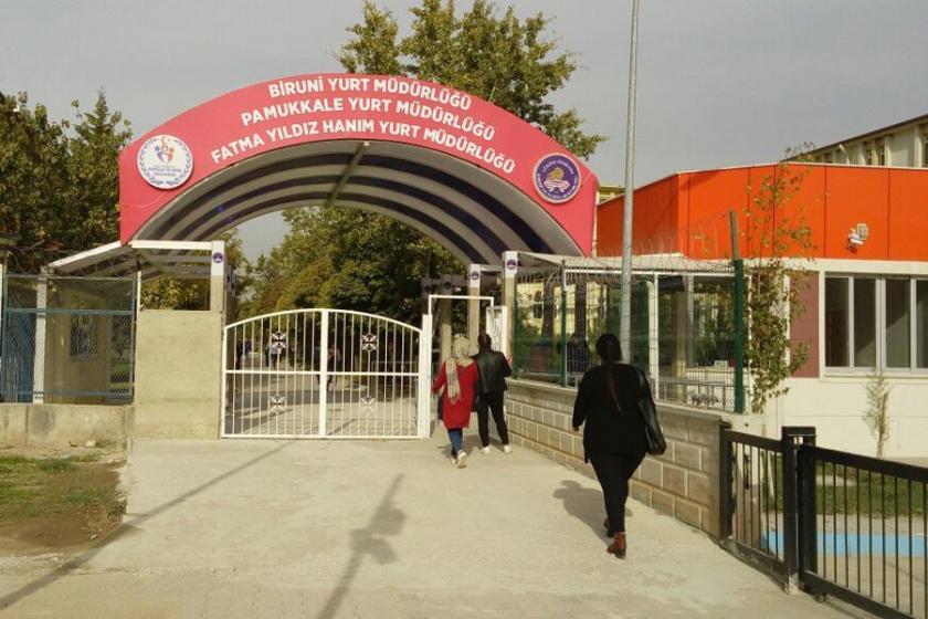 Üniversite yurdunda Evrensel'e 'uç yayın' yasağı
