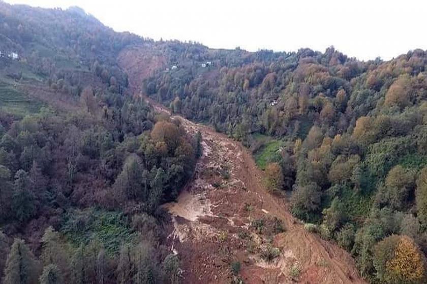 Arhavi'nin Kireçlik köyünde heyelan yaşandı