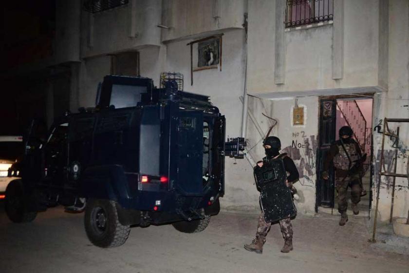Adana'da IŞİD operasyonu: 14 gözaltı