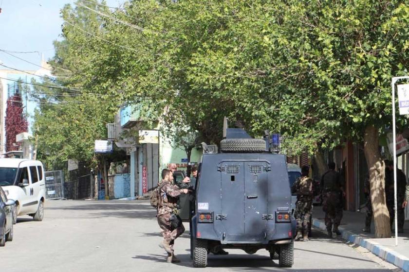 Mardin Derik'te patlama: Atanan kayyım ve 4 kişi yaralandı