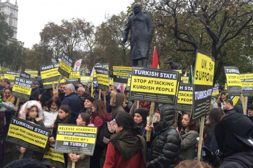Londra'da binler, AKP politikalarını protesto etti