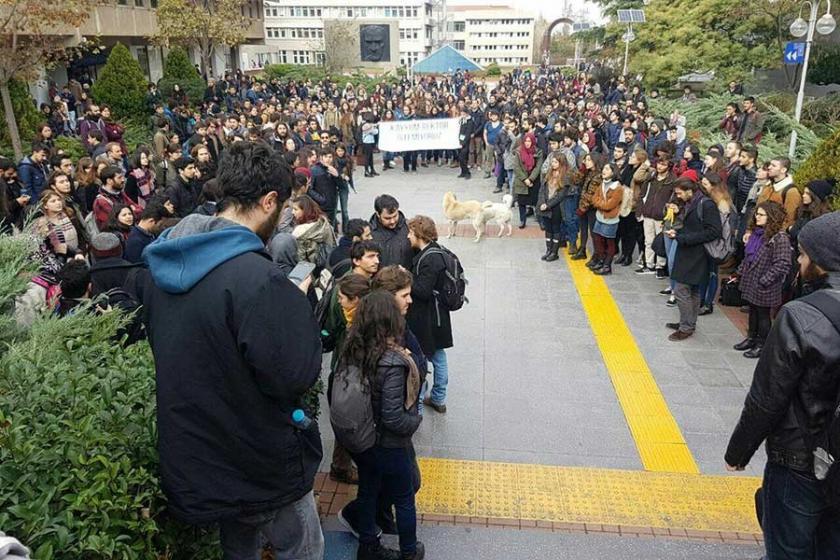 Boğaziçili öğrenciler 'atanmış' rektörü protesto etti