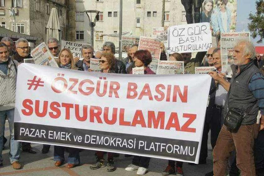 Hükümetin baskıları Pazar'da protesto edildi