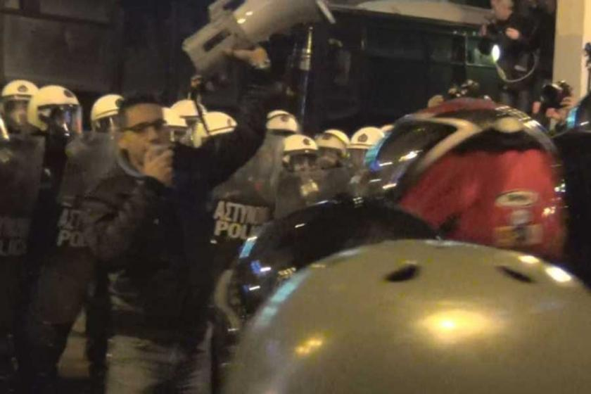 Atina'da on binler Obama'ya 'Go home!' dedi