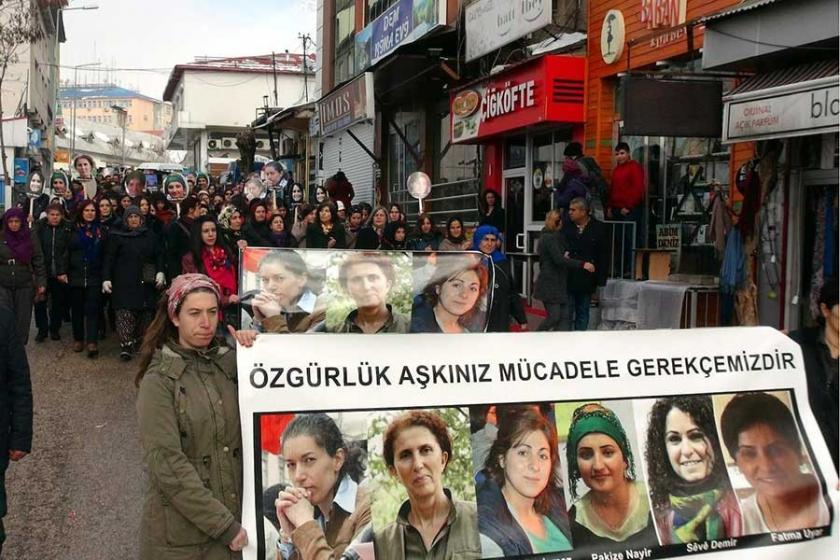 22 kadının yargılandığı dava 22 Şubat'a ertelendi