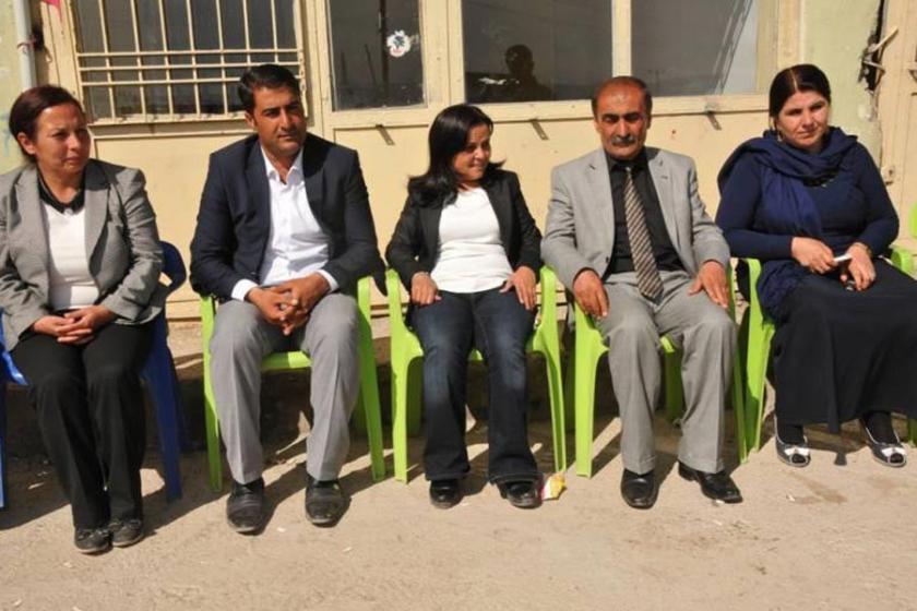 Başverimli belediye eşbaşkanları tutuklandı