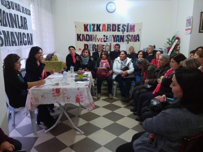 Mamaklı kadınlar şiddete ve çocuk istismarına karşı buluştu