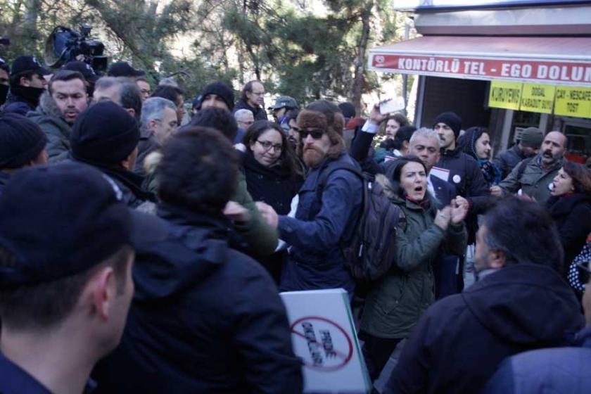 'Proje okul'a karşı imza toplayan velilere polis saldırdı