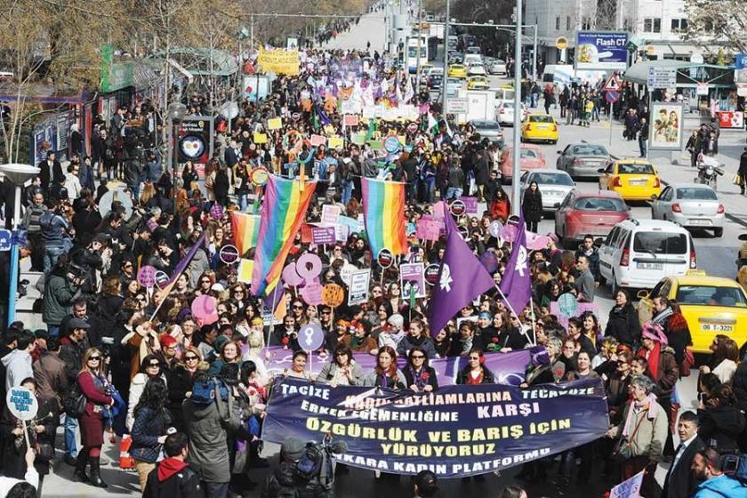 Kadınlar 25 Kasım'da sokağa çıkıyor: Razı değiliz