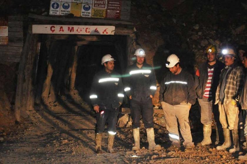Krom madenindeki göçükte mahsur kalan işçi kurtarıldı